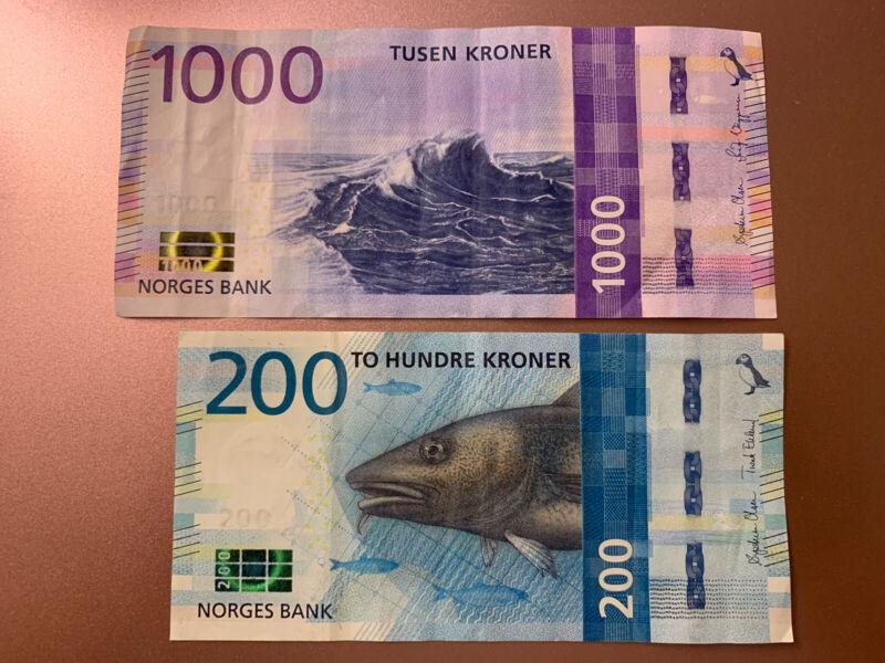 1000 + 200 Norway Kroner Banknotes. 1200 Norwegian Kroner Total. 2 Cir Bills.