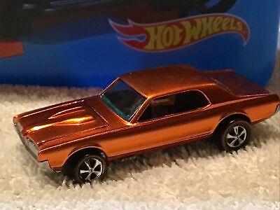 Hot Wheels Redlines 1968 Custom Cougar Orange with Painted Tooth