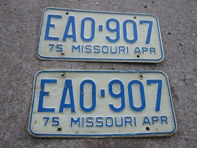APR 1975 ORIGINAL Vintage EA0 907 Missouri License Plate MO