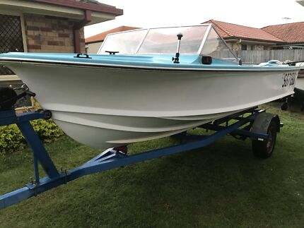 Haines Hunter V15 Runabout