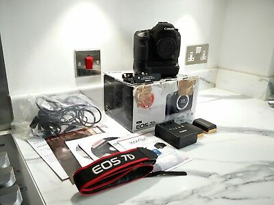 Canon EOS 7D 18.0MP Digital SLR Camera / Canon Battery Grip + Extras