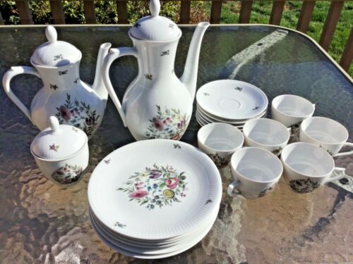 SEVRES PORCELAIN GERMANY TEA COFFEE SET 21 PIECES ATTRACTIVE FLORAL PATTERN