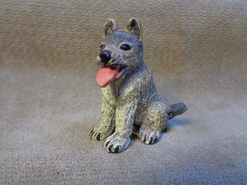"""VINTAGE 1993 LAND AND SEA COLLECTABLES NATURE SERIES MINIATURE 1.5"""" DOG FIGURE"""