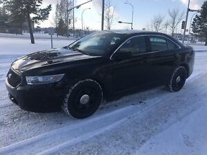 2013 Ford Taurus AWD Police Intercepter with only 130000 Kms.