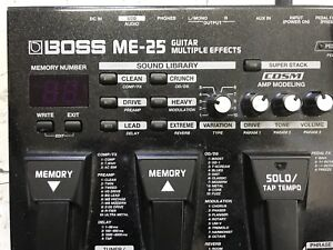 Boss ME 25 effects pedal