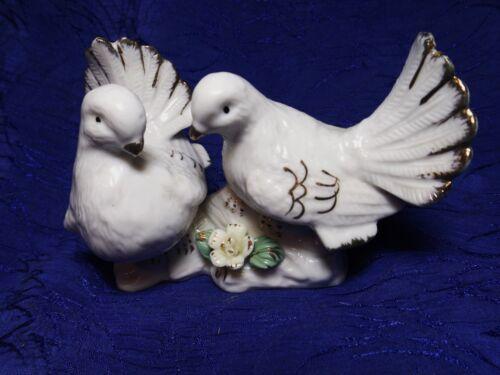 2 Porcelain Doves Figurine