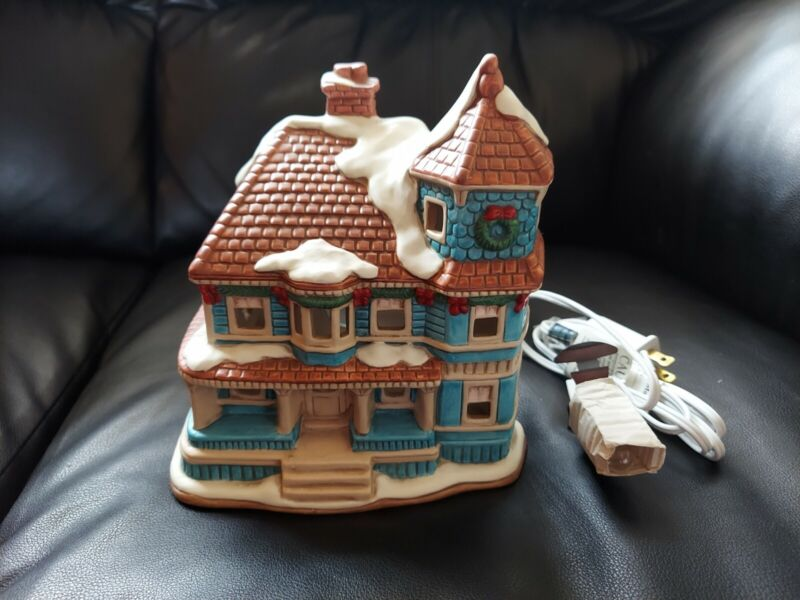 Lefton Colonial Village Lighted House The Ardmore 07338 Ceramic Christmas 1988