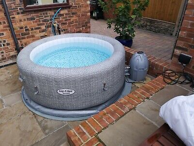 Hot tub LAY-Z HONOLULU INFLATABLE SPA 4-6 pers