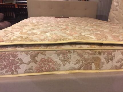 Excellent queen size bed (free delivery)