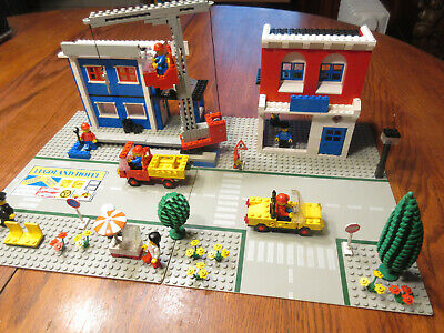 Lego Vintage Classic Town #6390-Main Street-100% w/figs & manual (1980)-READ