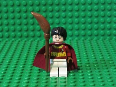 LEGO Harry Potter Minifigure Dark Red Quidditch Outfit Uniform + Broom 4737  - Harry Potter Quidditch Uniform