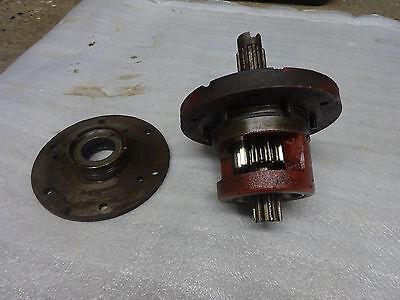 Farmall Superc 200 230 Bull Pinioncageretainerand Brake Shaft