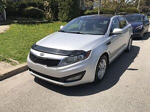 2014 Kia Optima , Automatic, Sunroof  Engine: 4 cylinder 2.4 L