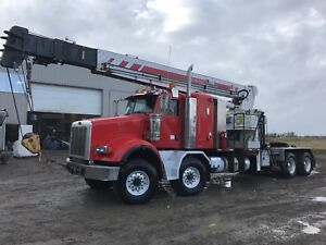 2006 PETERBILT 30 TON PICKER WITH SCREW PILE DRIVE TWIN STEER