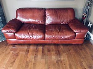 Sofa (divan) en cuir véritable, traité excellent état