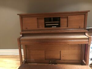 PIANO VINTAGE WILLIS &Co DOIT PARTIR