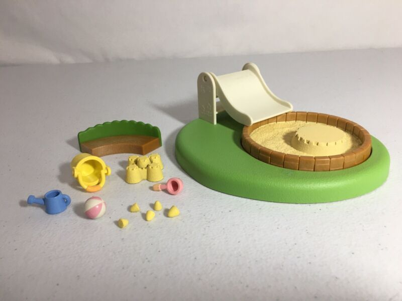 Calico critters/sylvanian families Pool/Sandbox With Accessories