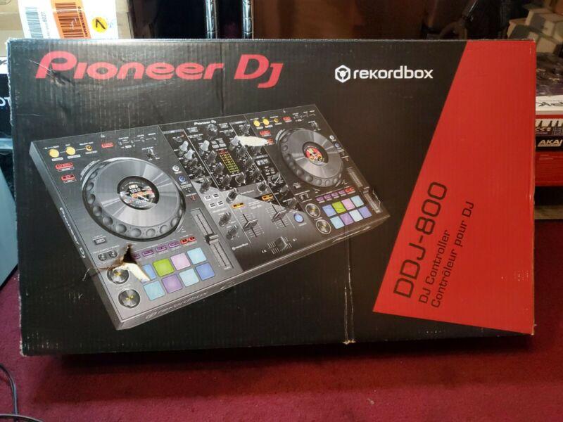 Pioneer DDJ-800 2-Deck Digital DJ Controller w Rekordbox DJ NO POWER ADAPTER