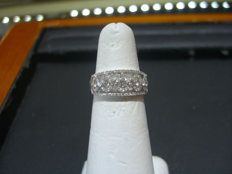 Fine Hand Made 18 Karat White Gold Diamond Wedding Band Ring 1.25 Carat Size 6.5