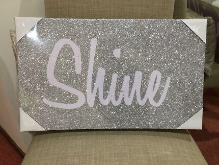 Glitter shine wall art