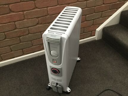 Delonghi Electric Column Heater 2400W with Timer