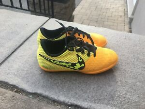 Nike kids indoor soccer shoes US kids 13.5