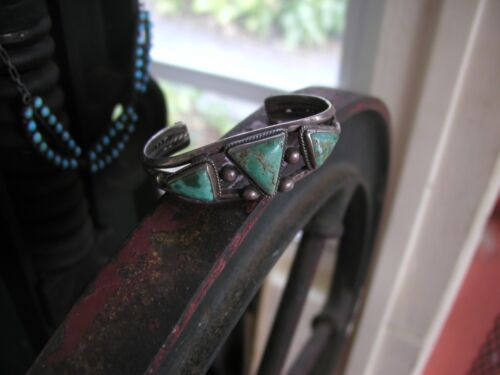 OLD NAVAJO INDIGENOUS SILVER BRACELET WITH NICE FREE FORM TURQUOISE STONES