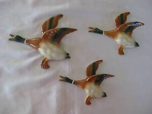 SET OF 3 PREMIUM QUALITY FLYING WALL DUCKS ENGLISH RETRO STYLE Warnbro Rockingham Area Preview