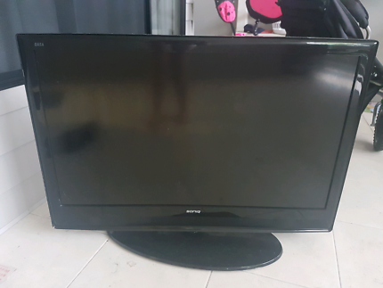"42"" Soniq TV (broken)"