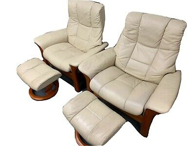 Pair Of Ekornes Stressless Armchair Recliners Cream Leather With Footstools