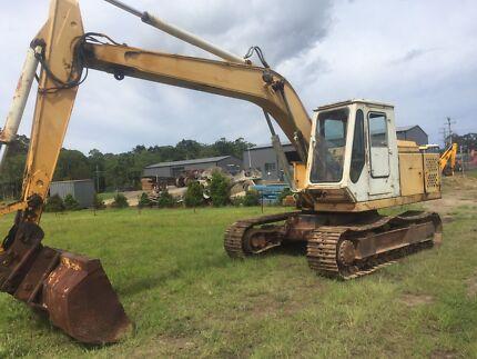 Kato hd550gs excavator 14 ton  good tracks