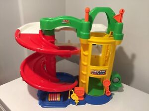 Little people car ramp $10