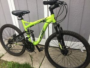 Schwinn Teslin mountain bike 2.4