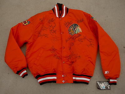 vintage Chicago Blackhawks Autographed Vintage NHL STARTER Satin Jacket size: L