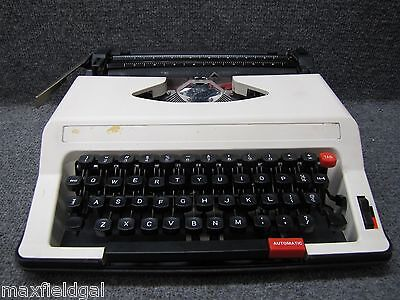 Refurbished Royal Me-25 Roytype Portable Manual Typewriter Hard Case Wwarranty