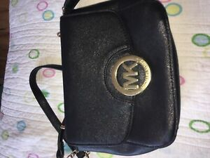 f021ccd78935 Black Purse Mk | Kijiji in Ontario. - Buy, Sell & Save with Canada's ...