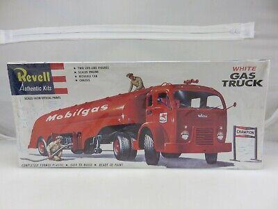Revell MOBILGAS WHITE GAS TRUCK 1/48 Scale Model Kit 1420 SEALED 1995