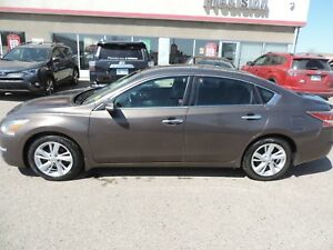 2014 Nissan Altima 2.5 SL Local Car,Leather Heated Seats,Blue...
