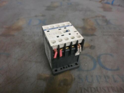 TELEMECANIQUE SQUARE D CA2KN 120 V 50/60 HZ 10 A CONTACTOR