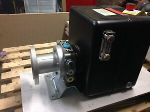 Hydraulic Pump and Reservoir