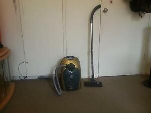 Vacuum Cleaner Tiffany Brand 1400W and Iron box for sale Sunshine Brimbank Area Preview