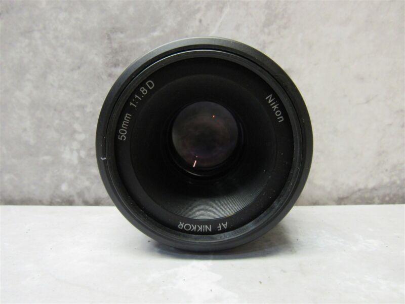 Nikon AF NIKKOR 50mm f/1.8D Lens for Nikon D3200 D5200 DSLR Cameras