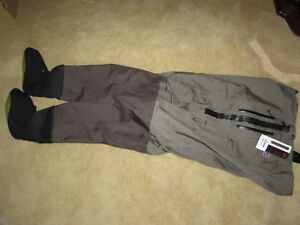 Simms/Orvis type Men's breathable chest waders. Size Large. New