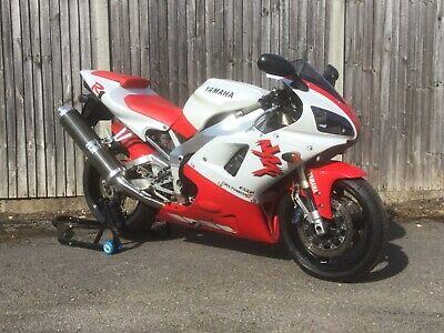 1998 4xv yamaha r1 red and white