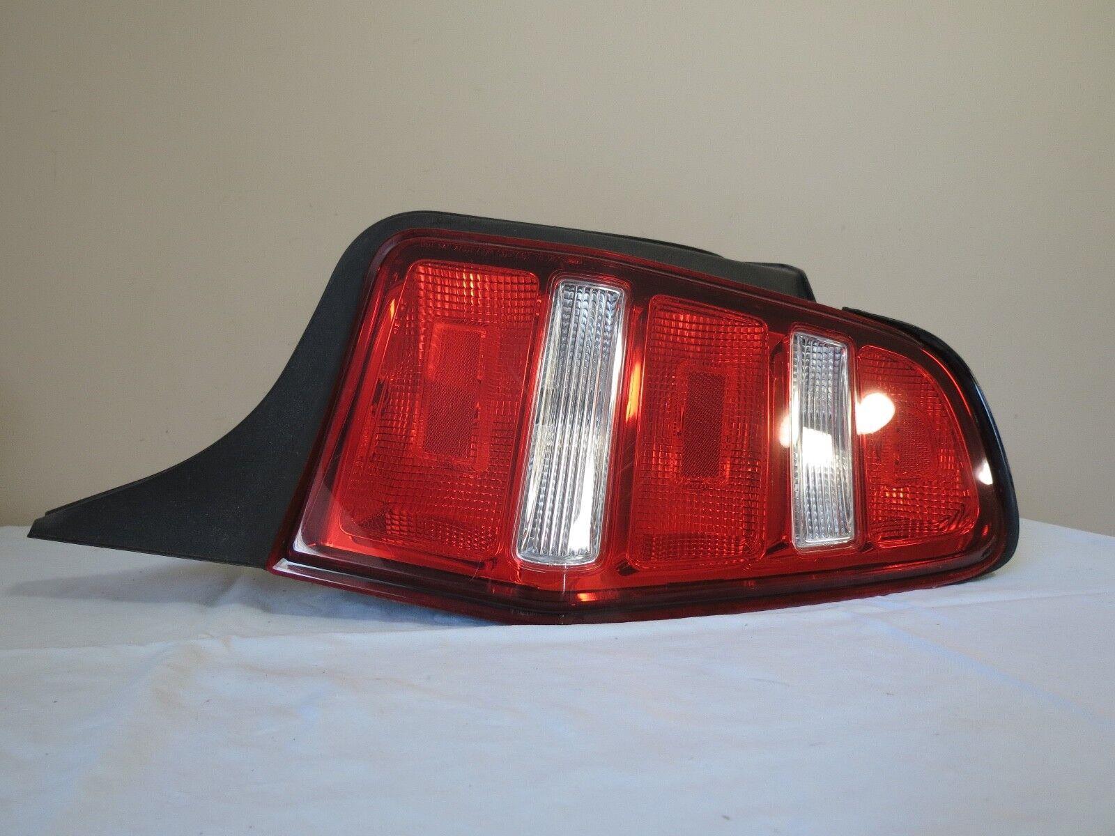 10 11 12 Ford Mustang OUTER CORNER Tail Light Lamp Lens Right PASSENGER Ends OEM
