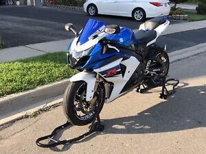 2011 Suzuki gsxr-1000 - with safety