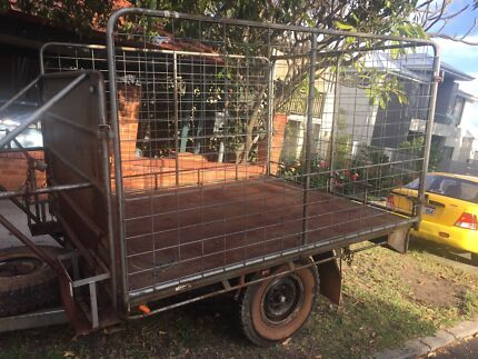 Heavy duty off road trailer with cage