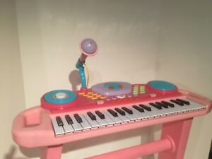BRUIN Toy Piano Pink Ages 3+
