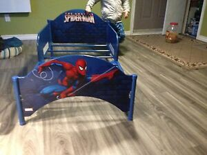 Petit lit Spiderman