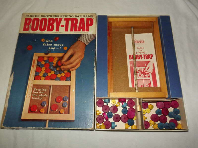 VINTAGE TOY 1965 PARKER BROTHERS BOOBY TRAP GAME